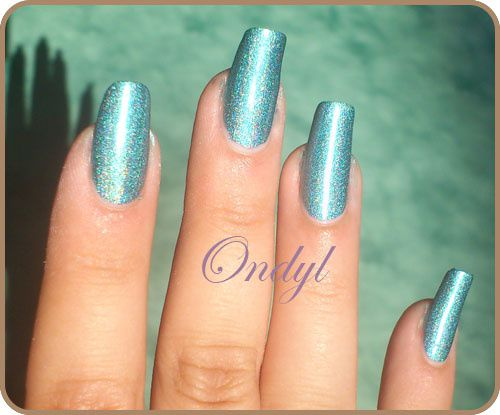 swatch-vernis-kiko-holographique-green-peacock 0349