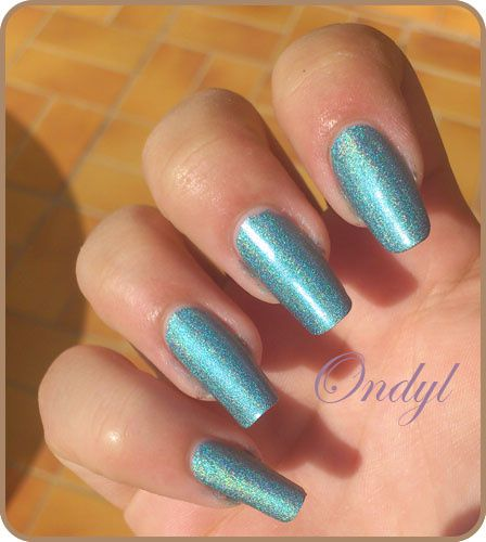 swatch-vernis-kiko-holographique-green-peacock 0357