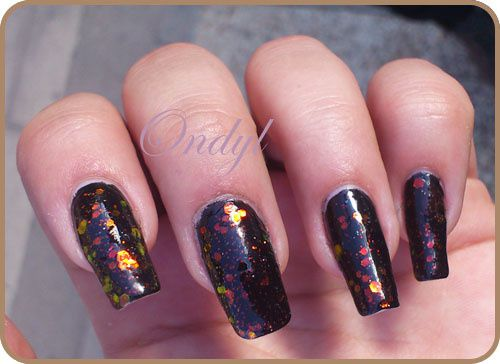 chunky-holo-black-on-nails 0356