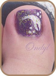 glittered-feathers-on-feet-nails 0374