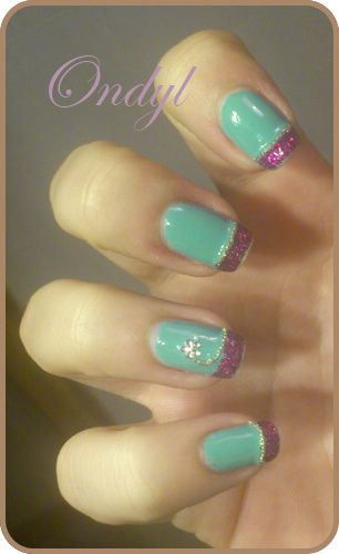 glittered-pink-and-seagreen-french-manicure-0439.jpg