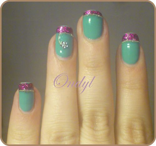 glittered-pink-and-seagreen-french-manicure-0441.jpg