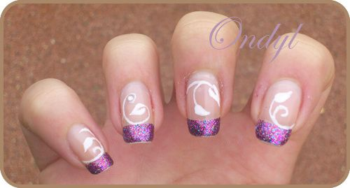 multicolored-glittered-french-manicure-and-little--copie-2.jpg