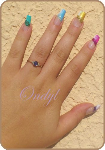multicolored-glittred-nails-0407.jpg