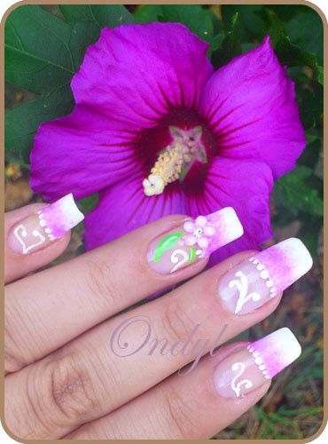 pink-french-manicure-with-3d-flowers 0401