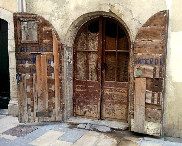 Toulon---Dur-d-exister-.jpg