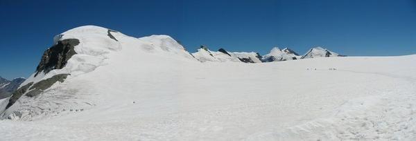 http://idata.over-blog.com/0/08/49/95/alpinisme/40-les-Breithorn-et-l-occident-llaume-Ledoux-Apoutsiak-228d.jpg