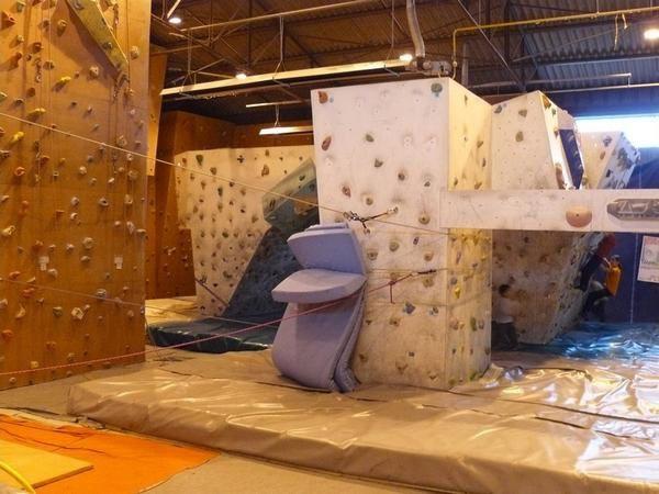 salle-d-escalade-entretemps-besan--on-2-photo-guillaume-ledoux-apoutsiak.jpg