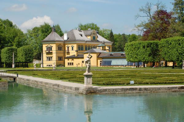 Chateau-de-Hellbrunn.jpg