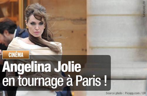 angelina-jolie-paris-tourist.jpg