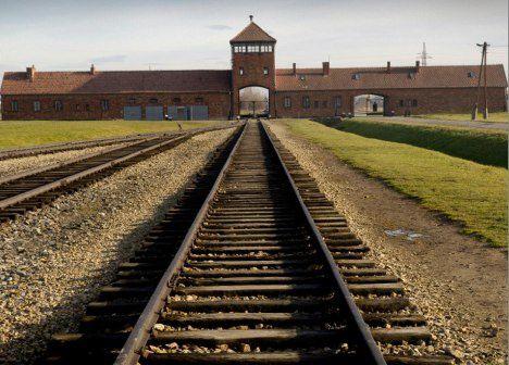 Auschwitz-nowe-zmiany-17-01-2011_26.jpg