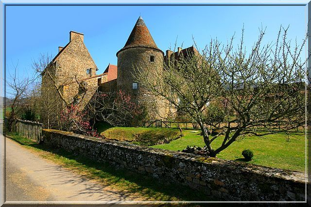 Point de défense visible pour ce petit château