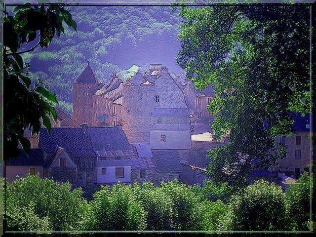 Voyez vous le vieux château fort ?