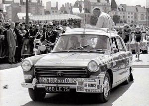 """Peugeot, l'un des plus vieux fabriquants de cycles, figure aussi à 4 roues sur la """"Grande Boucle""""..."""
