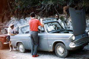 Chaud ! chaud ! chaud ! les moteurs ont chaud sur les pistes rocailleuses et pentues de l'Olympe...