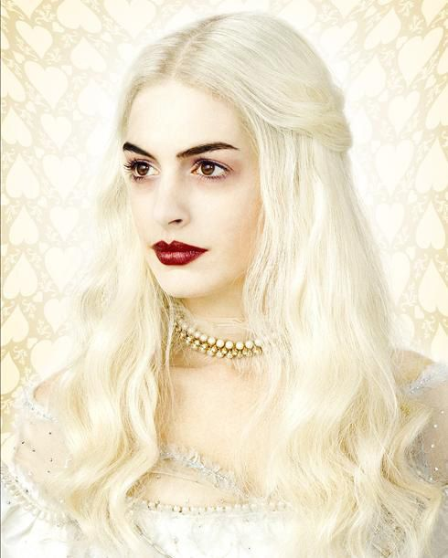 Anne Hathaway - Alice