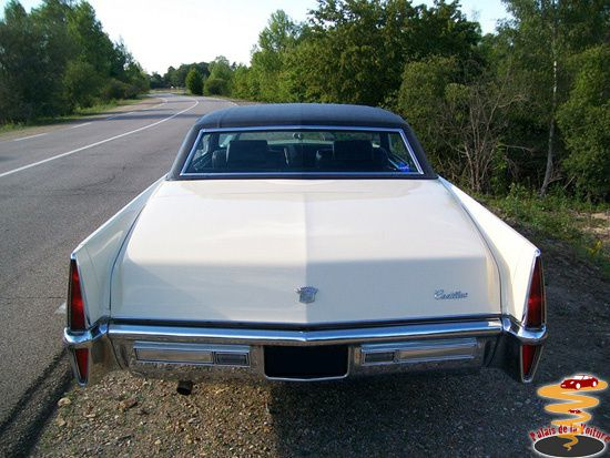 3_Cadillac-Coupe-DeVille-1970.JPG