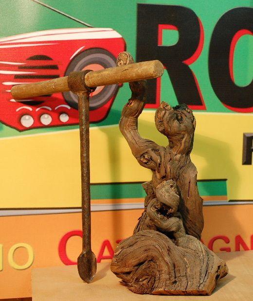Comme chaque année pour l'entre fêtes les outils anciens sont à la fête A la menuiserie Séguié de Montner - 10 impasse du muguet - tél 0468290163