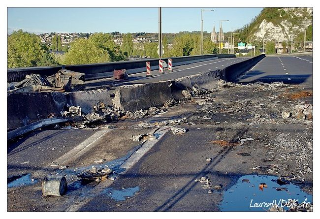 incendie-pont-mathilde-rouen-0009.jpg