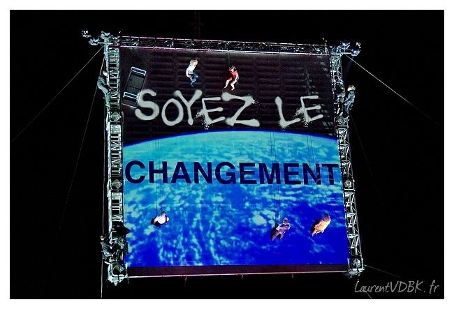 Viva-Cite-2013---Wired-Aerial-Theater---As-the-copie-9.jpg