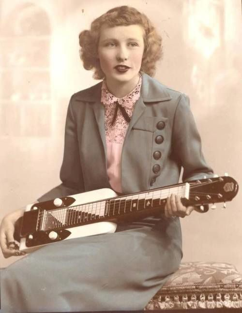 Ginny-Wright-and-her-National-lap-steel.jpg