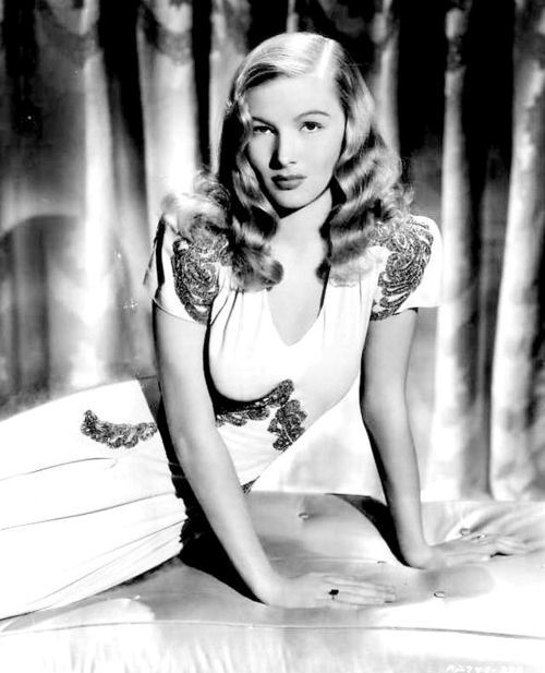 veronica-lake.jpeg