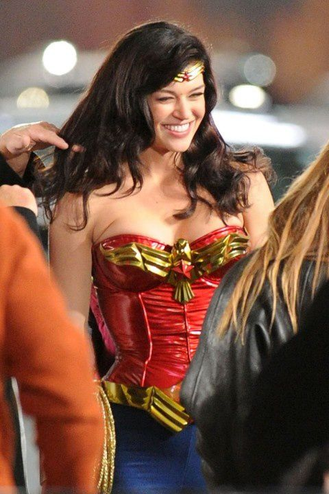 Adrianne-Palicki-Wonder-Woman-6.jpeg