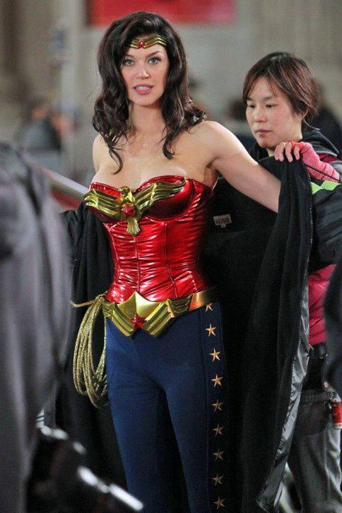 Adrianne-Palicki-Wonder-Woman.jpeg