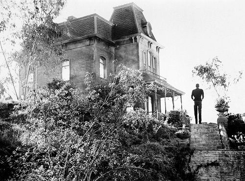 The-Bates-house-in-Alfred-Hitchcock-s-Psycho--1960--was-.jpeg