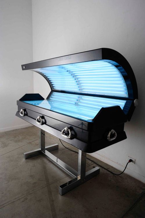 6coffin-shaped-tanning-bed-by-luciano-landia.jpeg