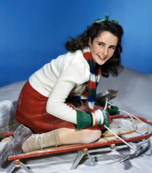 Merry-Christmas-from-elizabeth-taylor-1944.jpeg