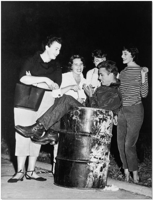 james-dean-signing-autographs-in-a-trash-can.jpeg