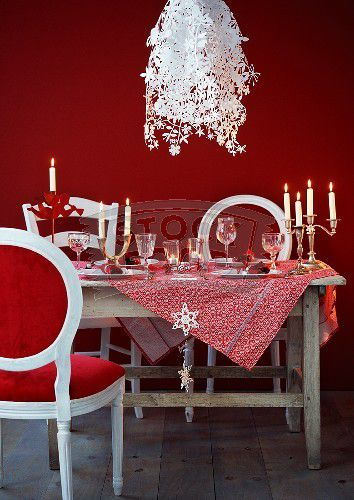 A-table-laid-fro-Christmas-dinner-with-designer-lamps-70034.jpg
