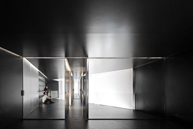 APARTMENT-IN-JUNQUEIRA-LISBON-BY-ASPA-ARCHITECTS-PORTUGAL.jpg