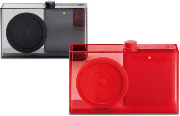 FLOW FM radio created by Philip Wong for Lexon (red dot des