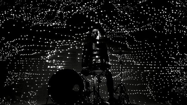 PHANTOGRAM---FALL-IN-LOVE--VIDEO---TRACK-FROM-VOIC-copie-2.jpg