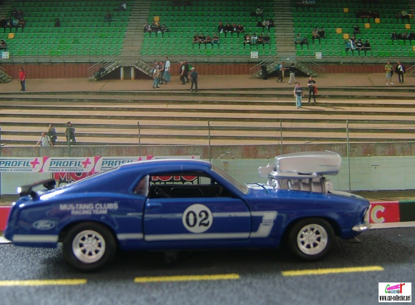 FORD MUSTANG RACER 302 1969 DICKIE 1/38