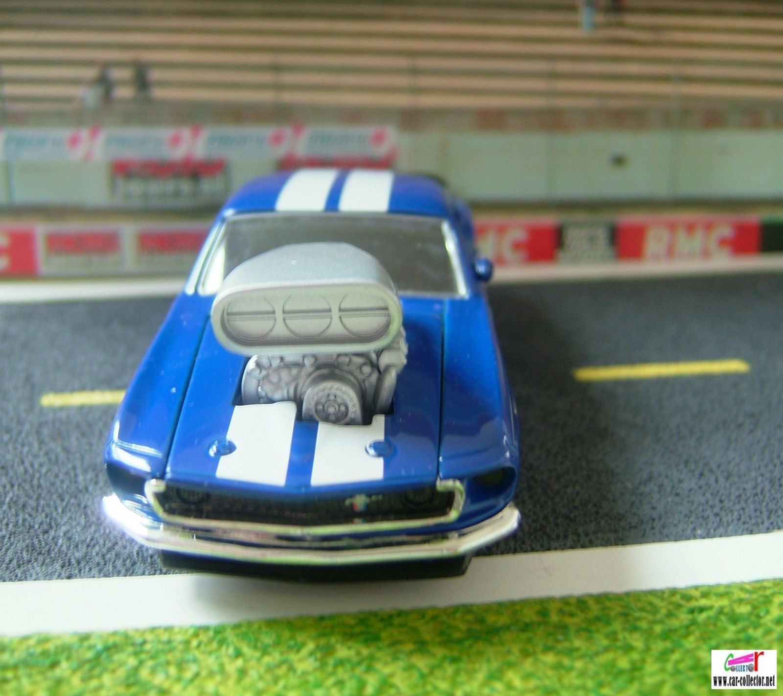Echelle 1/38 de chez Dickie toys, série Speed champs, made in China, référence T671.