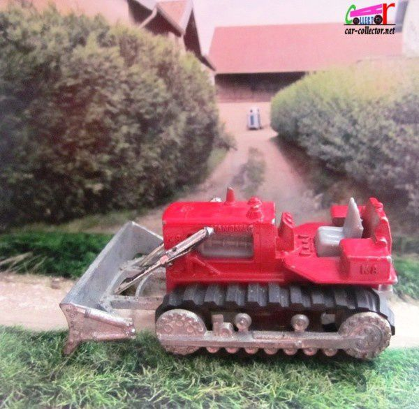 hanomag-rouge-majorette-bulldozer-red