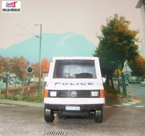 camion-mercedes-t1-police-hongwell--2-