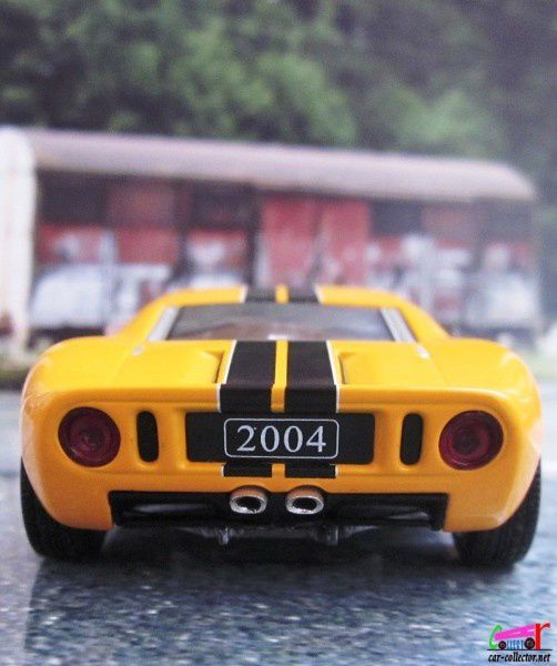 ford-gt-2004-anniversaire-100-ans-ford-minichamps (2)