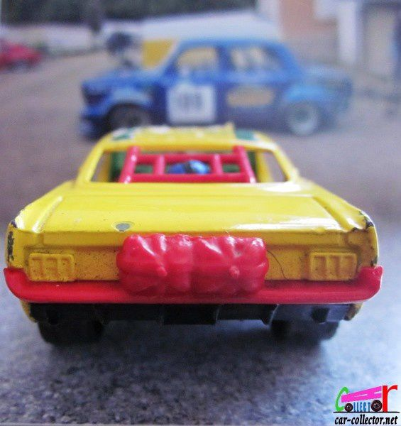 ford-mustang-dragster-organ-grinder-marzak-whizzwh-copie-6