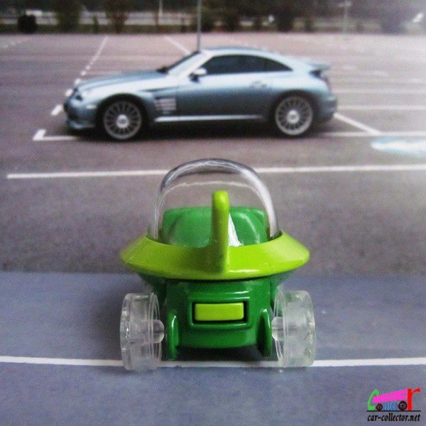 the-jetsons-capsule-car-2014.090 (2)