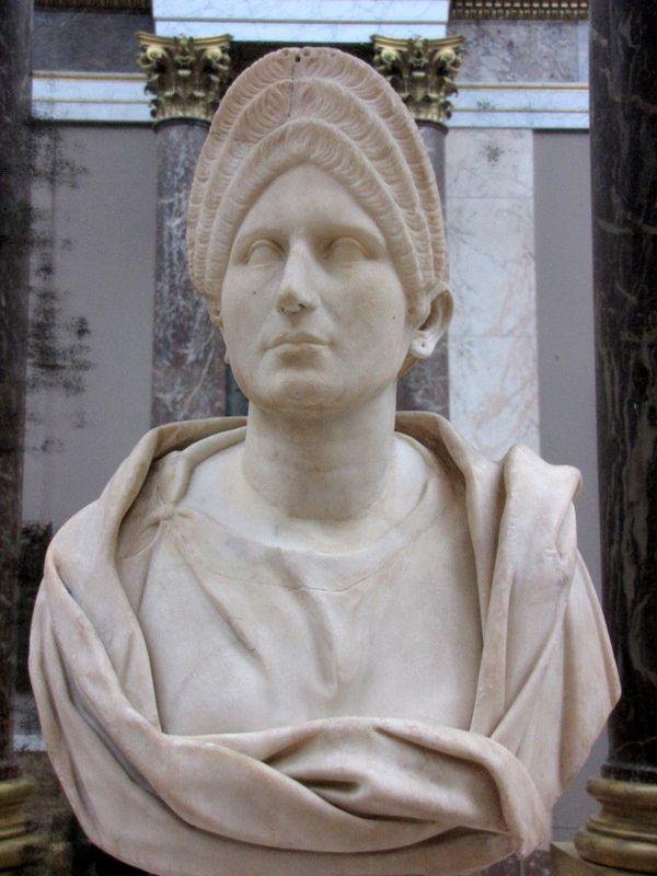 Louvre-25-9833.JPG