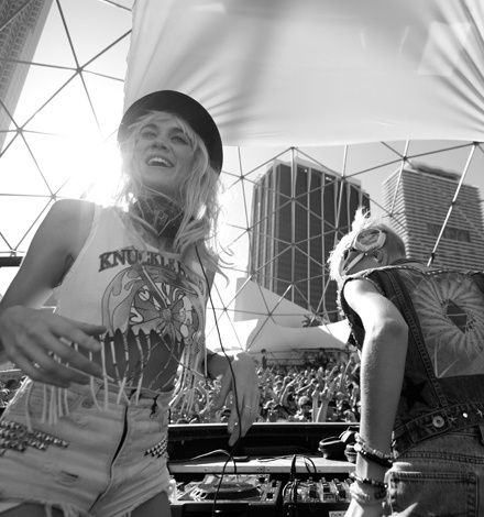 NERVO_PHOTOSECTION_LIVESHOT.jpg