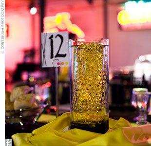 cenrte-de-table-vase-colore.jpg