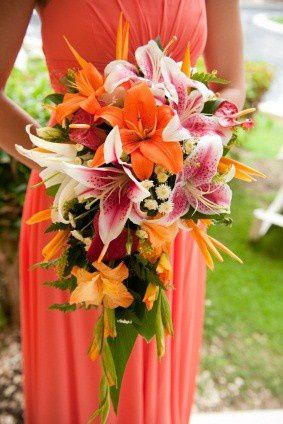 bouquet-lys-mariage-tropical-copie-1.jpg