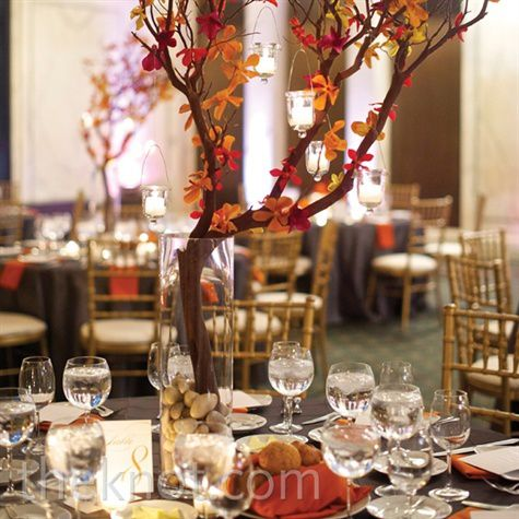 centre-de-table-orange-prune-mariage.jpg