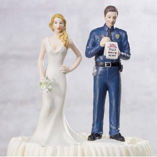 figurine-piece-montee-policier.jpg