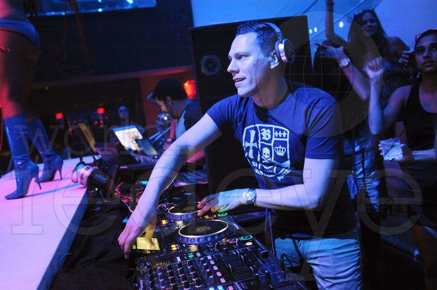 Tiësto at Liv Miami 05 july 2012 (2)